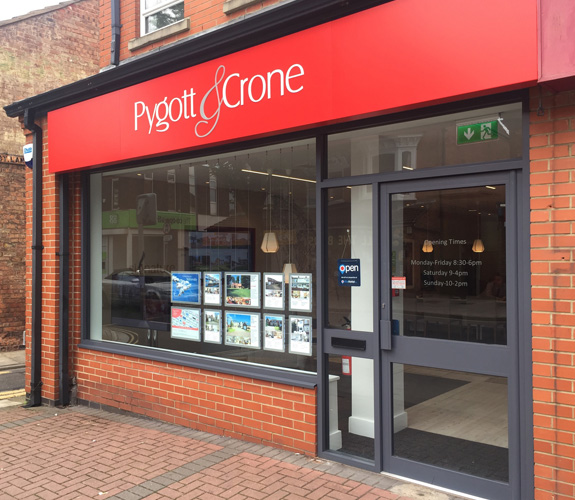 FIVE COMPLETE PYGOTT & CRONE OFFICE IN CLEETHORPES